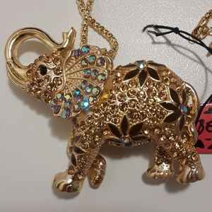 Betsey Johnson elephant sweater necklace